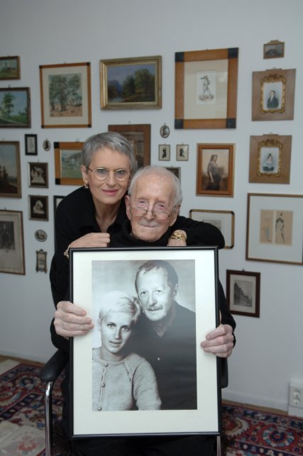 Erwin + Heike Geschonneck with wedding picture